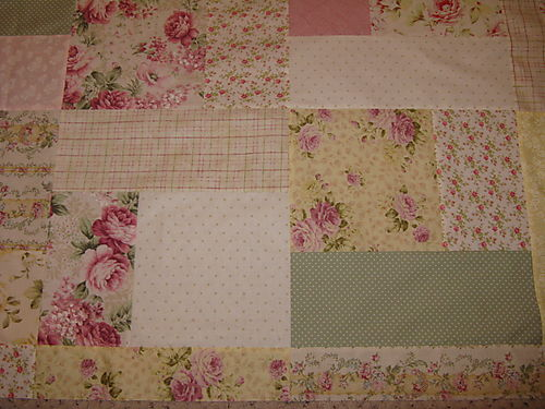 Quilt top with inside border 2