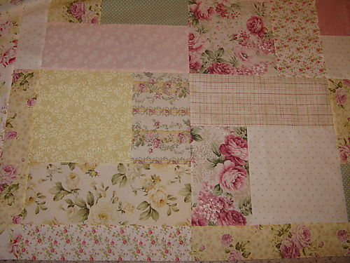 Quilt top with inside border