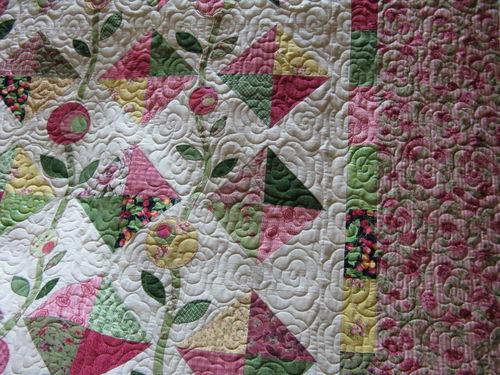 Janie's Flower quilt closeup 3