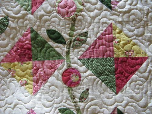 Janie's Flower quilt closeup 4