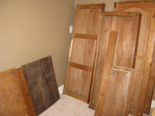 Armoire in pieces 1