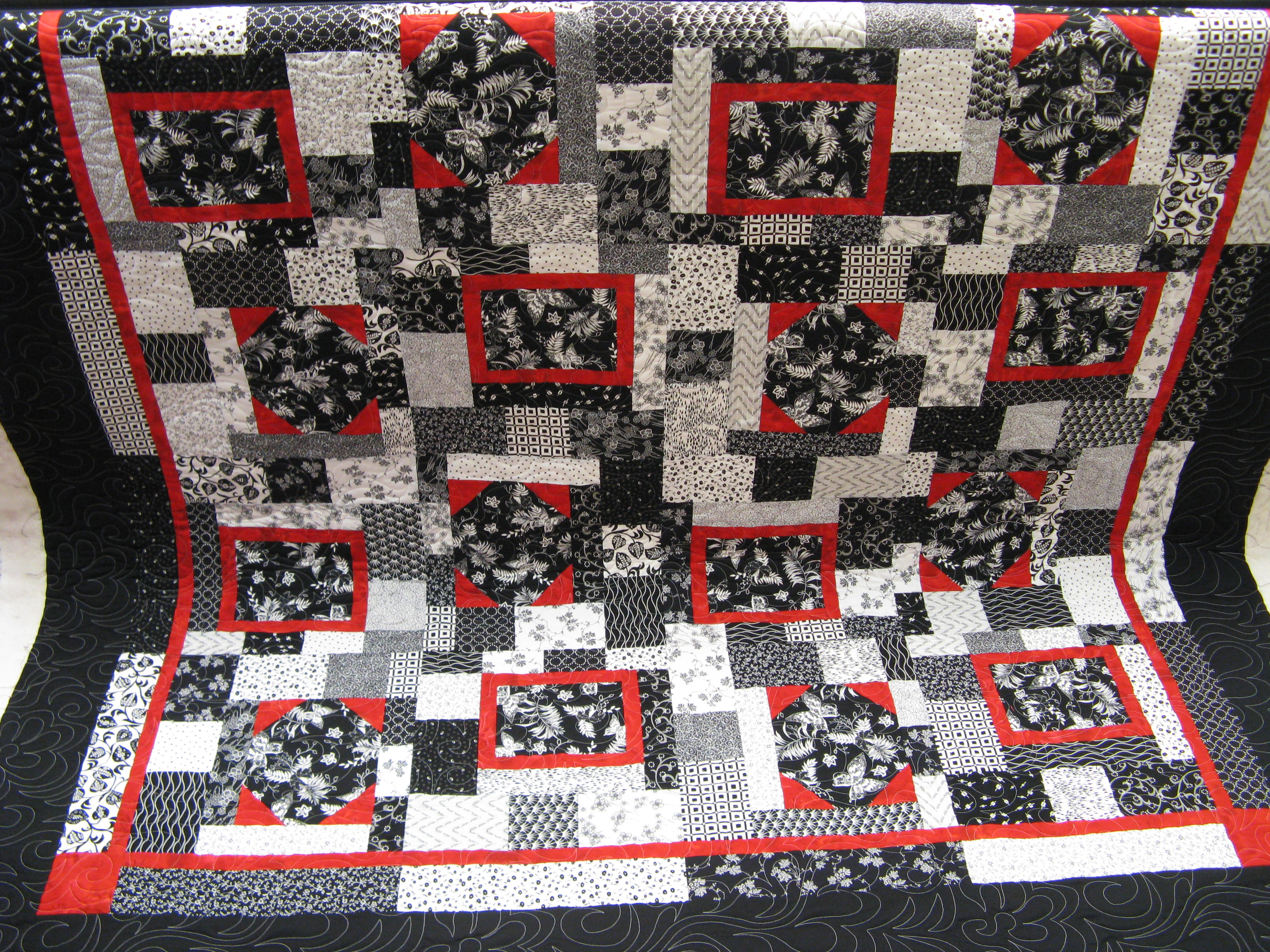 to quilt overall part close great called lime borders white feathers black green a of is center texture melinda i and here quilts etc the quilted curling with up panto gives it