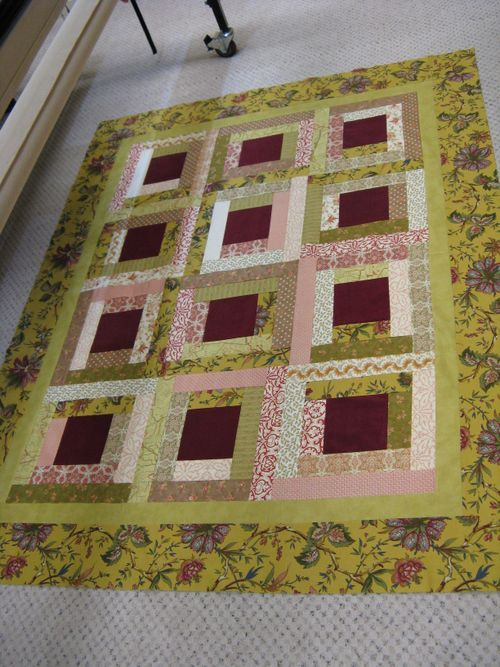 Darlene's Quilt Pieced - Courthouse Steps