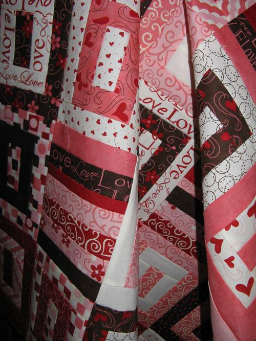 Angel Fire House and finished L'amour quilt top 010
