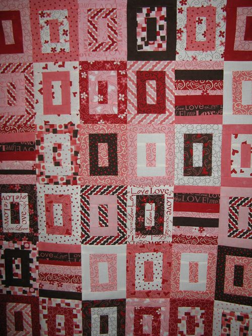 Angel Fire House and finished L'amour quilt top 008