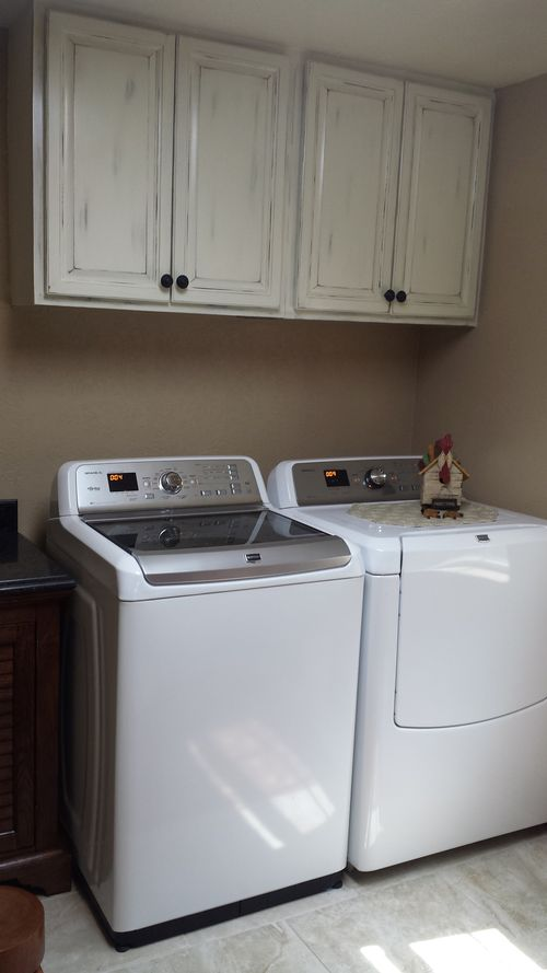 112 Giraud Utility Room Washer and Dryer
